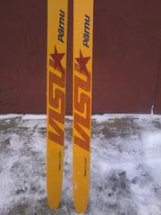 новые лыжи беговые пластиковые