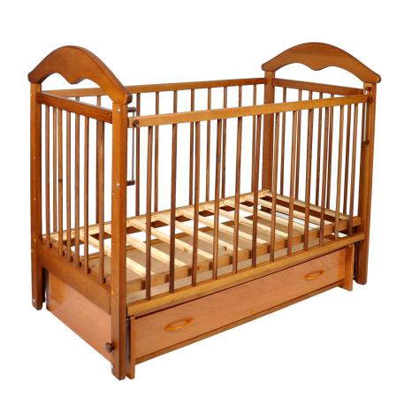 Деревянные кроватки.