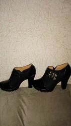 Женская обувь. Продам ботинки женские,  (Усть-Каменогорск)